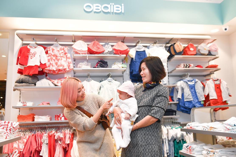 Gia đình ca nương Kiều Anh, doanh nhân Hà Linh sắm sửa cho bé yêu với trang phục đến từ nước Pháp - Ảnh 6.