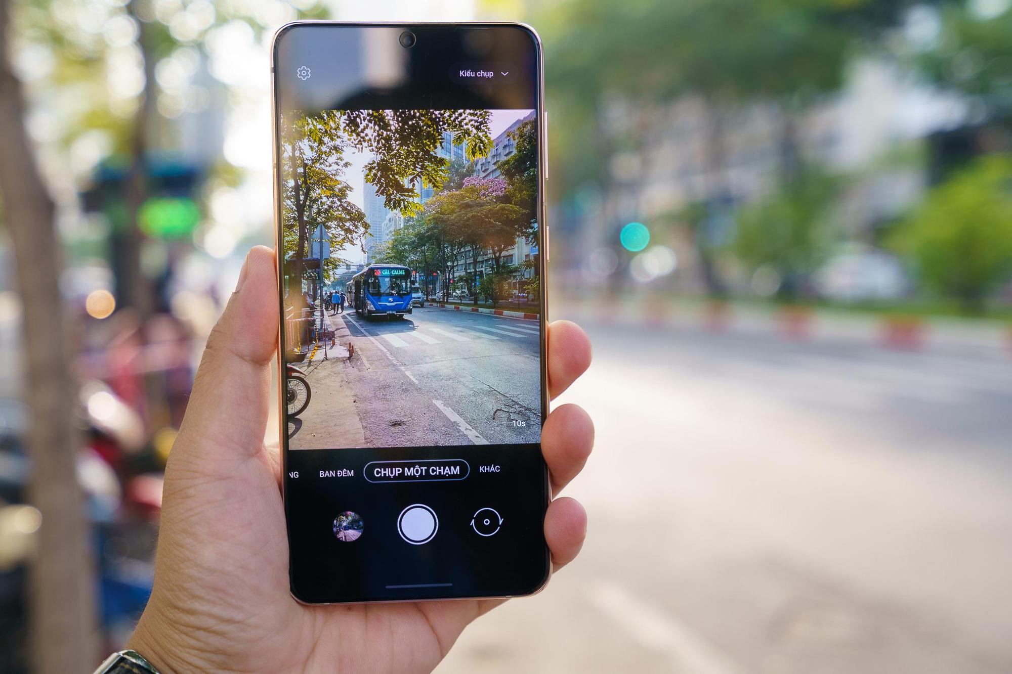 Bắt trọn mọi khoảnh khắc, từ video siêu chậm đến siêu nhanh chỉ cần 1 nút với Galaxy S21 - Ảnh 1.