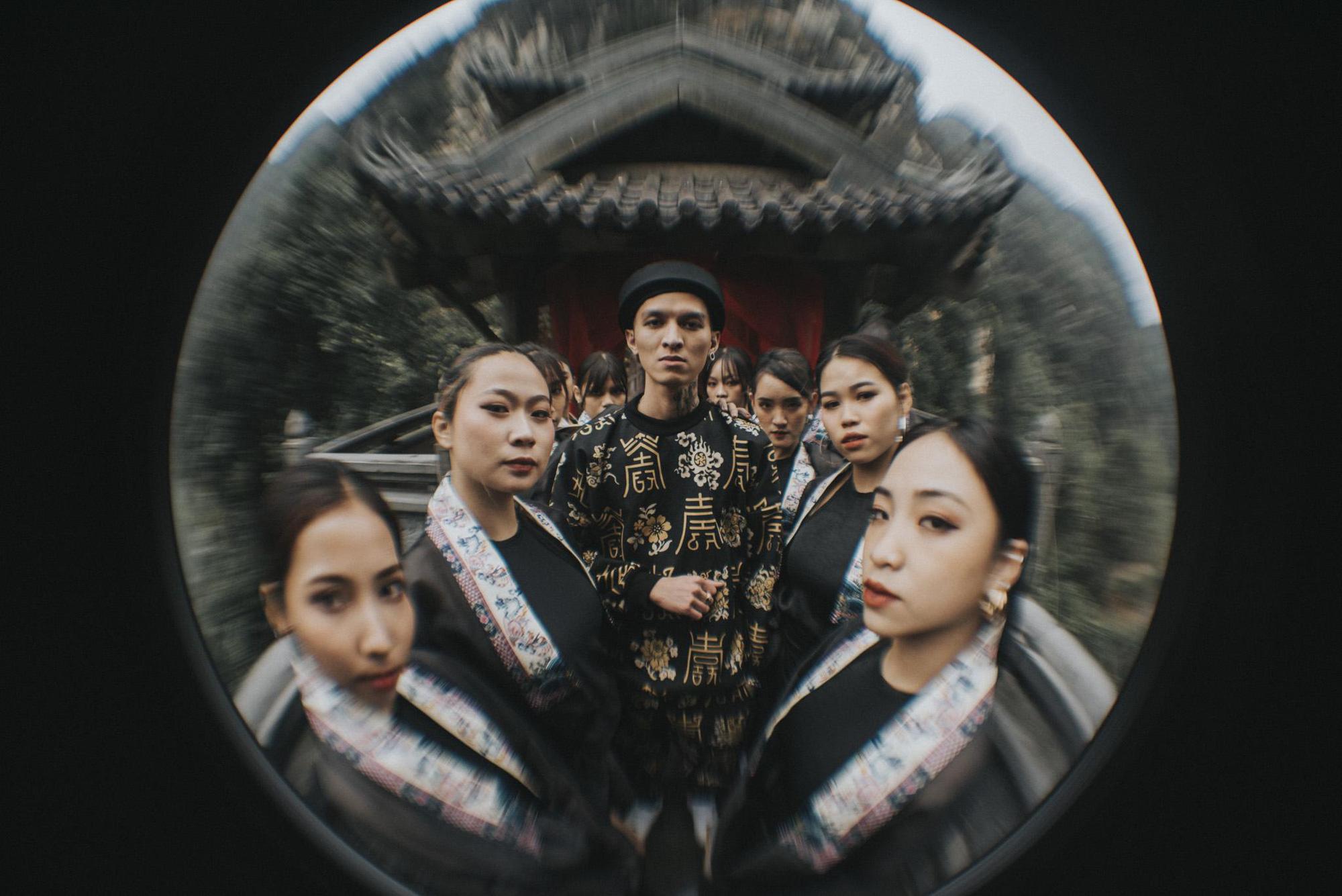 Bình Gold, RichChoi, Chị Cả... góp mặt trong MV Chí Nam Nhi - bản rap ca trù từng khiến cả 4 HLV King Of Rap khen hết lời - Ảnh 3.