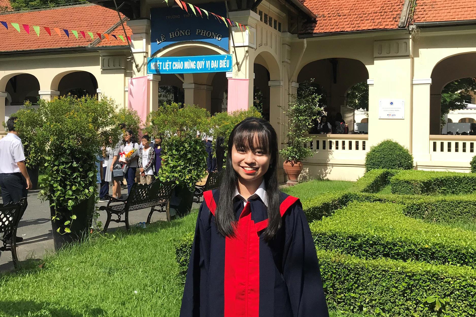 Nữ sinh viên Việt Nam đầu tiên giành học bổng 100% từ Đại học La Trobe Úc - Ảnh 1.