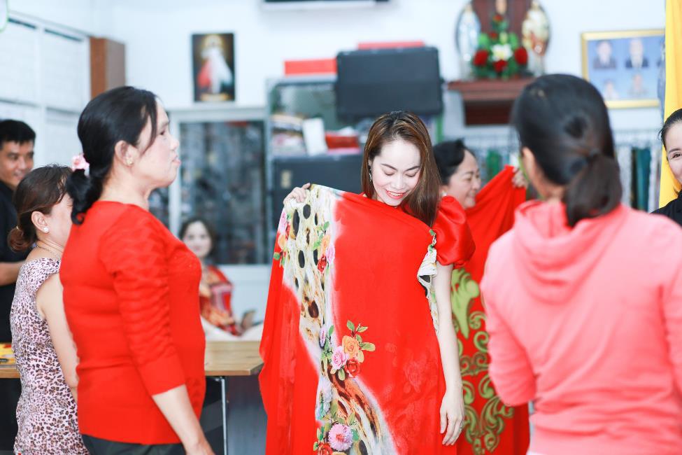 Áo Dài Mẫu Mẫu: Nơi cung cấp đa dạng trang phục áo dài - Ảnh 5.