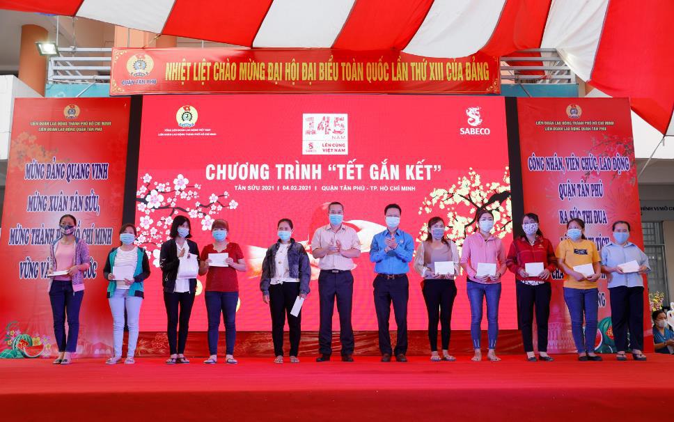 """Nhìn lại chiến dịch """"Tết Gắn Kết"""" đầy ý nghĩa: 4200 người lao động Việt Nam được hỗ trợ - Ảnh 2."""