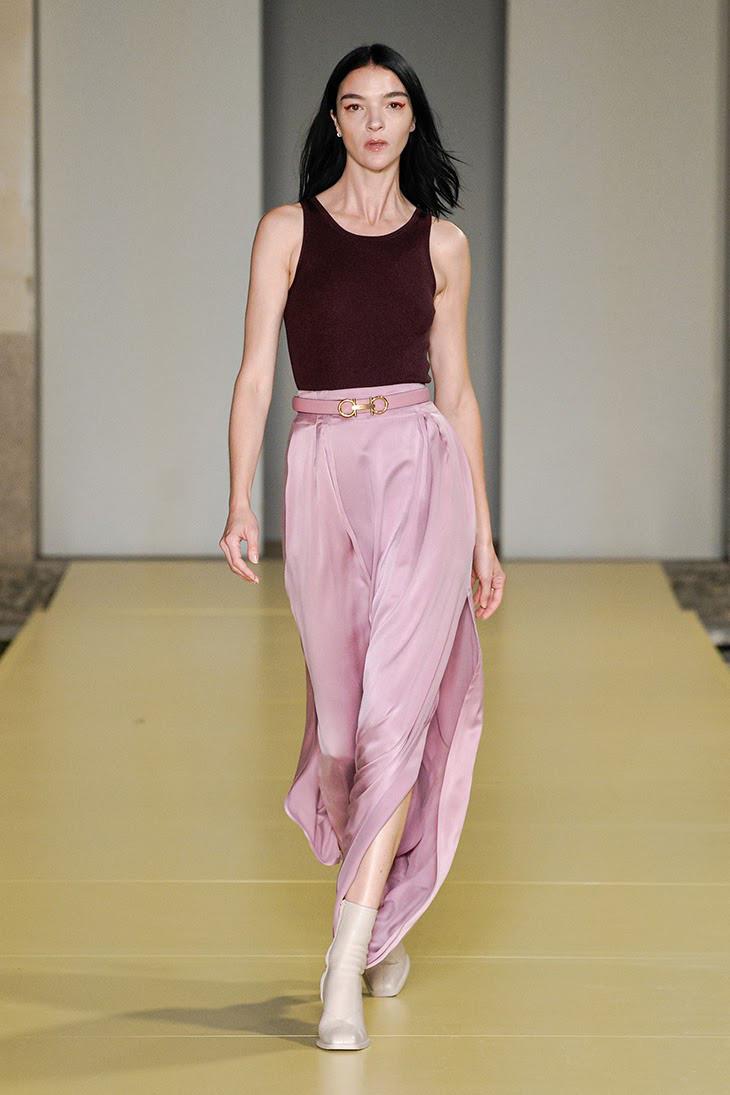 Bắt ngay xu hướng thời trang đến từ các thương hiệu nổi tiếng cho mùa Xuân - Hè 2021 - Ảnh 5.