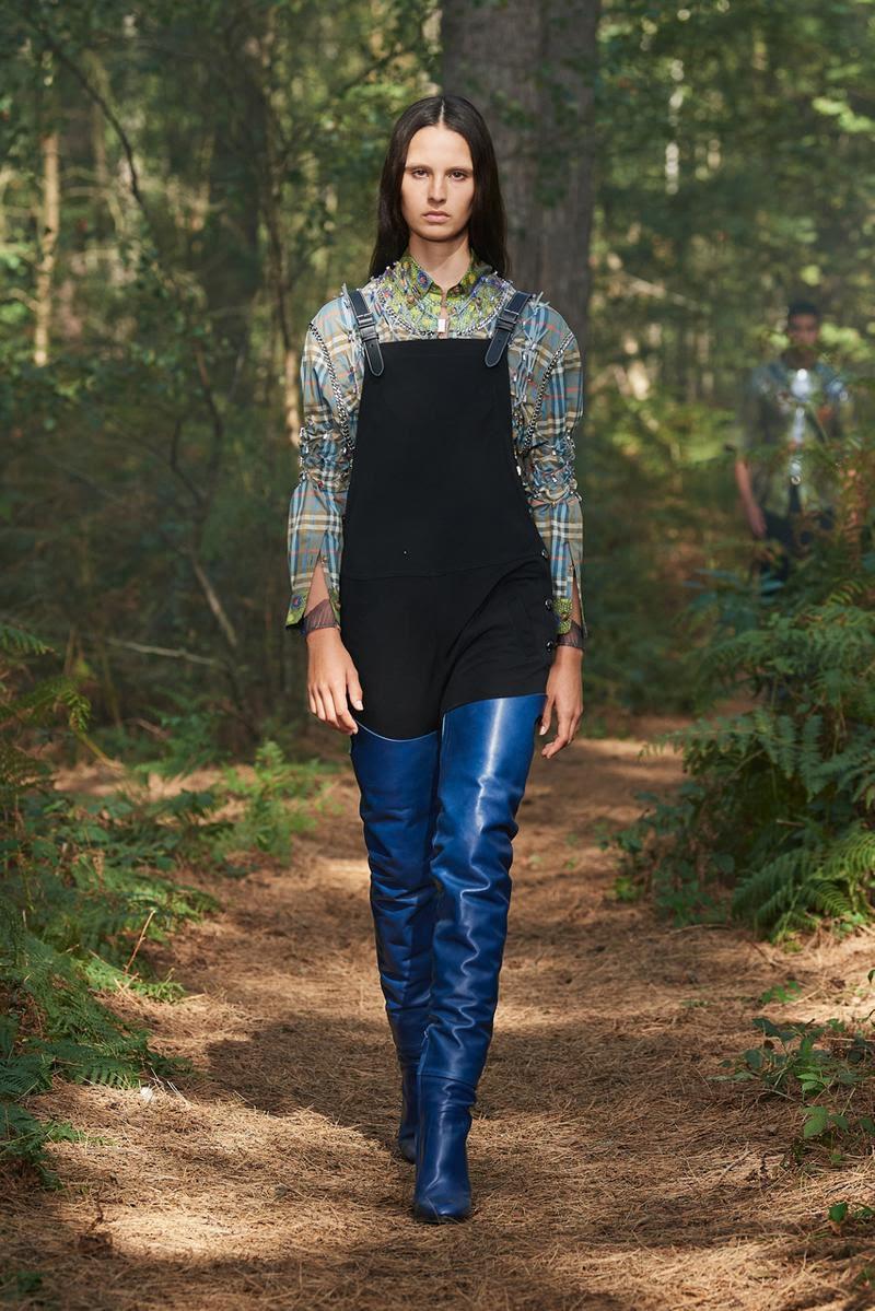 Bắt ngay xu hướng thời trang đến từ các thương hiệu nổi tiếng cho mùa Xuân - Hè 2021 - Ảnh 3.