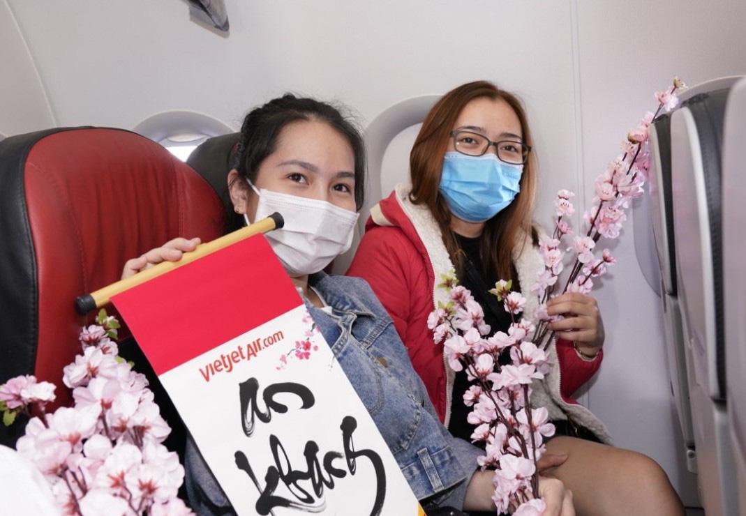 Điều bất ngờ Vietjet dành tặng khách hàng chọn bay an toàn ngày 23 tháng Chạp - Ảnh 5.