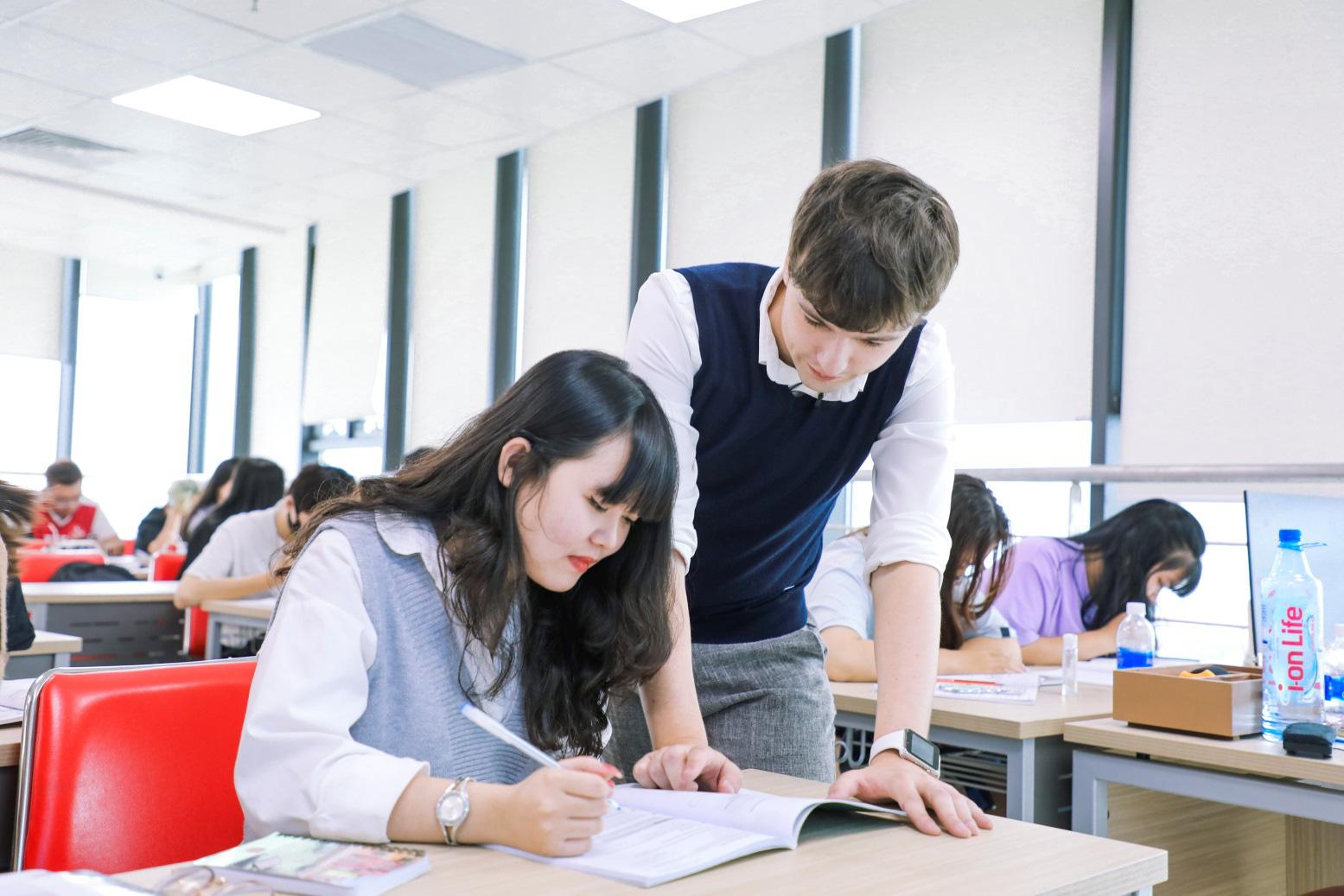 Ngành Quan hệ công chúng: Ngành học năng động, sinh viên phải năng động! - Ảnh 3.