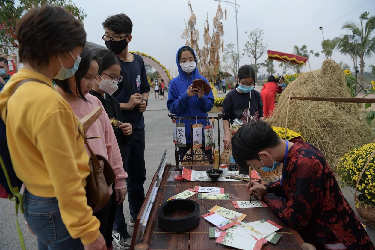Home Hanoi Xuan 2021 - Nơi gặp gỡ hoa cỏ mùa xuân - Ảnh 4.
