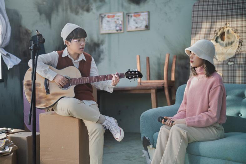 """Kai Đinh, Min kể về """"lời nói dối"""" kinh điển của cha mẹ trong ca khúc mới - Ảnh 3."""