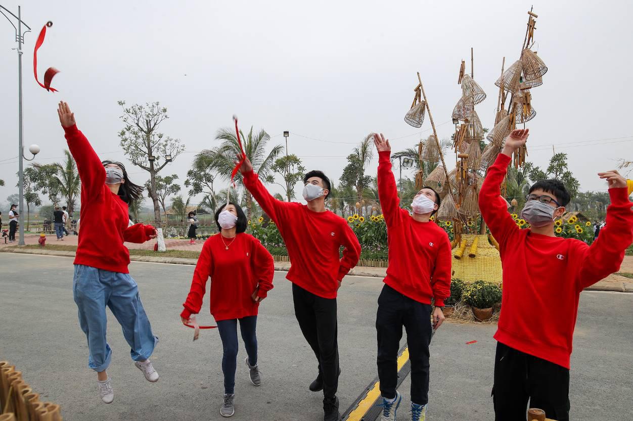 Home Hanoi Xuan 2021 - Nơi gặp gỡ hoa cỏ mùa xuân - Ảnh 3.