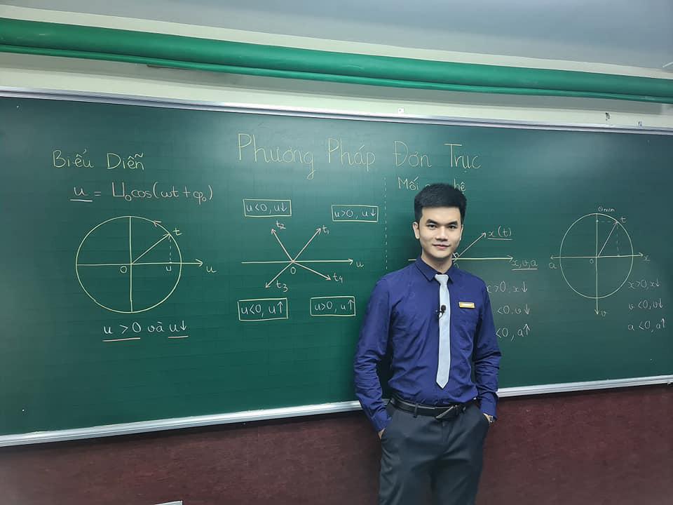 Thầy giáo trẻ truyền cảm hứng học Vật lý cho hàng ngàn học sinh bước tới ngưỡng cửa đại học - Ảnh 1.