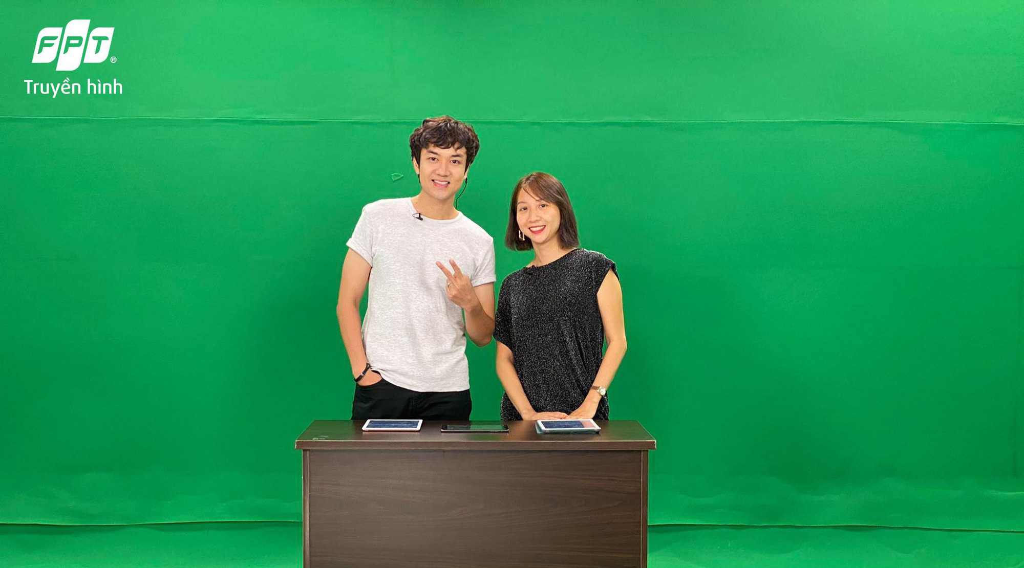 Bộ đôi host Cáo và Linxi tái hợp trong chương trình tương tác Chơi Hay Chia - Ảnh 2.