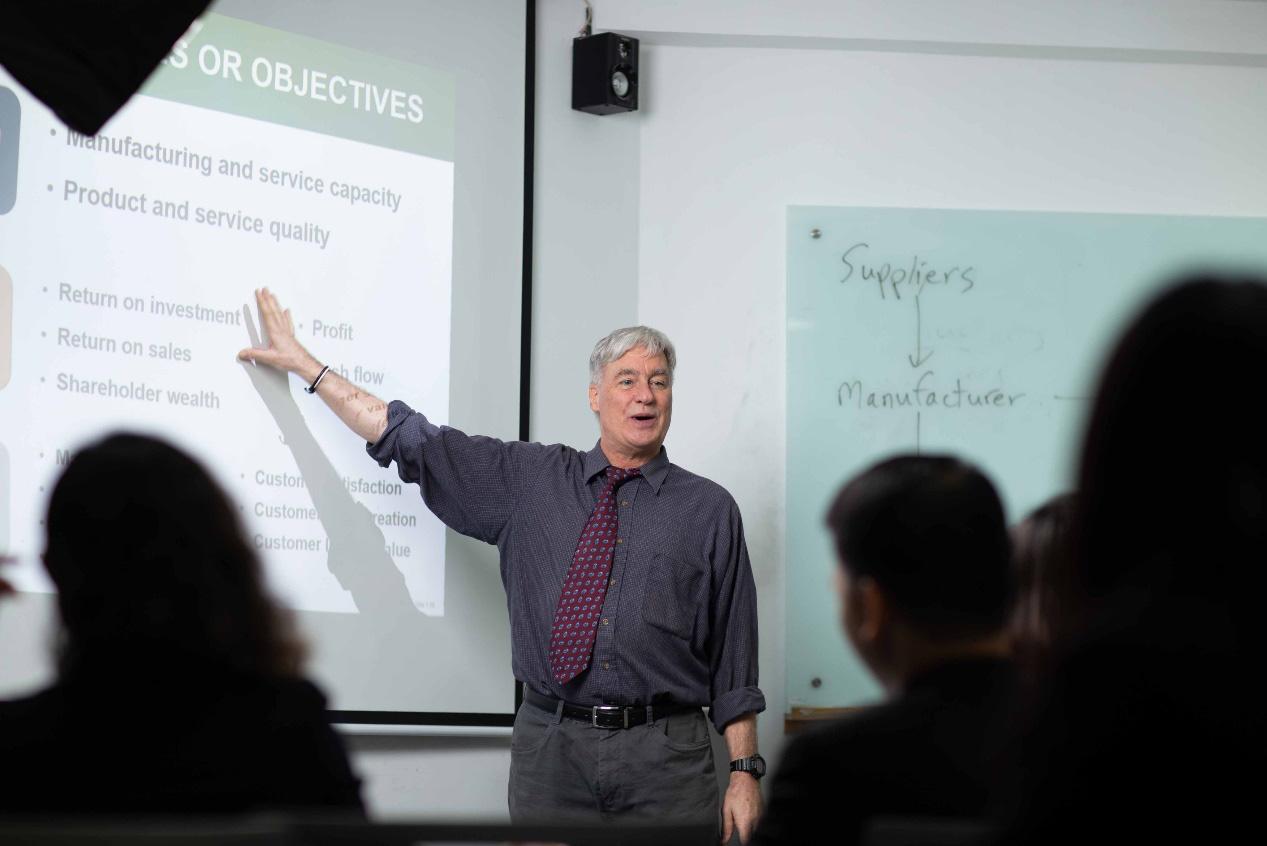 Vì sao học MBA trong nước là lựa chọn tối ưu hiện tại? - Ảnh 1.