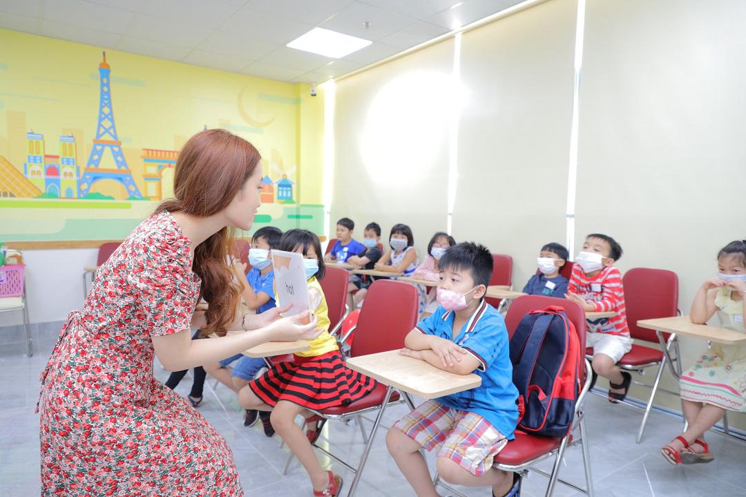 VUS tưng bừng khai trương cơ sở thứ 41 với lớp học tiếng Anh hoàn toàn miễn phí - Ảnh 3.