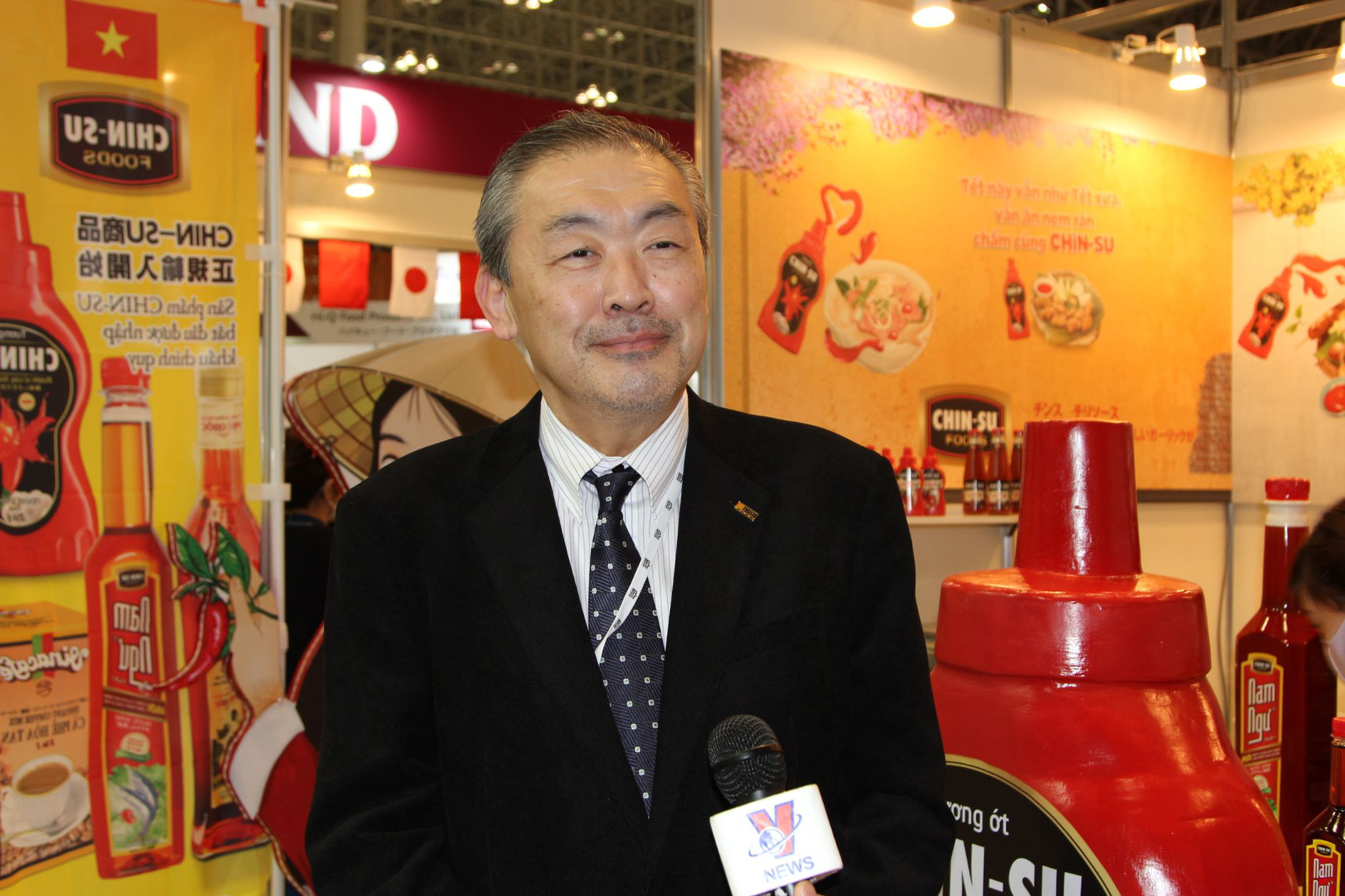 Tương ớt Việt Nam ghi dấu ấn trong triển lãm thực phẩm và đồ uống quốc tế tại Nhật - Ảnh 3.