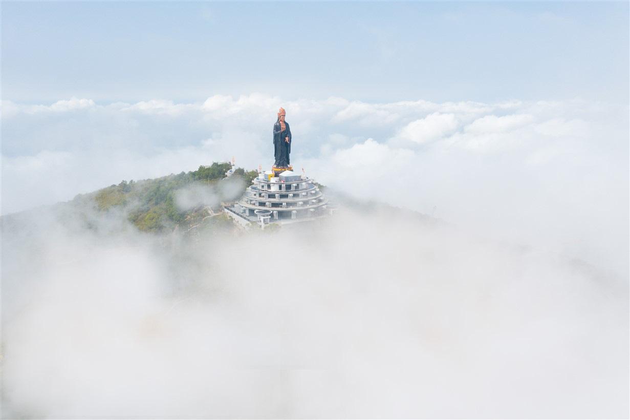 Giải chạy marathon đầu tiên tổ chức tại Tây Ninh trên cung đường quanh núi Bà Đen huyền thoại - Ảnh 5.