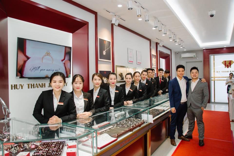 Doanh nhân 9X Đỗ Huy Thành: Vượt qua định kiến, thay đổi mô hình kinh doanh đã tạo nên thành công cho Huy Thanh Jewelry - Ảnh 3.