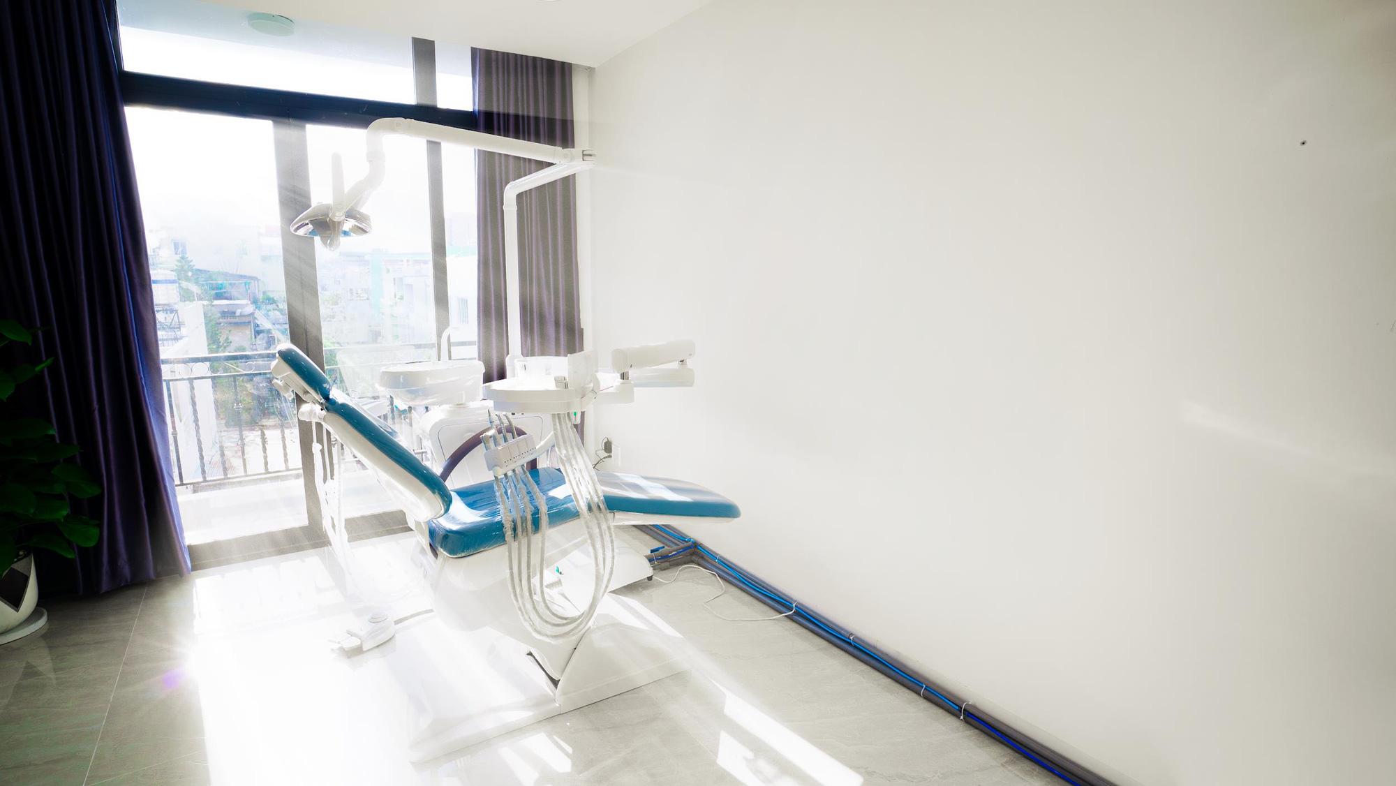 Mãn nhãn với cơ sở vật chất, trang thiết bị hiện đại tại nha khoa Janhee - Ảnh 2.
