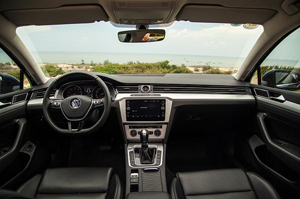 Volkswagen Passat - lựa chọn thú vị cho khách Việt trung niên - Ảnh 3.