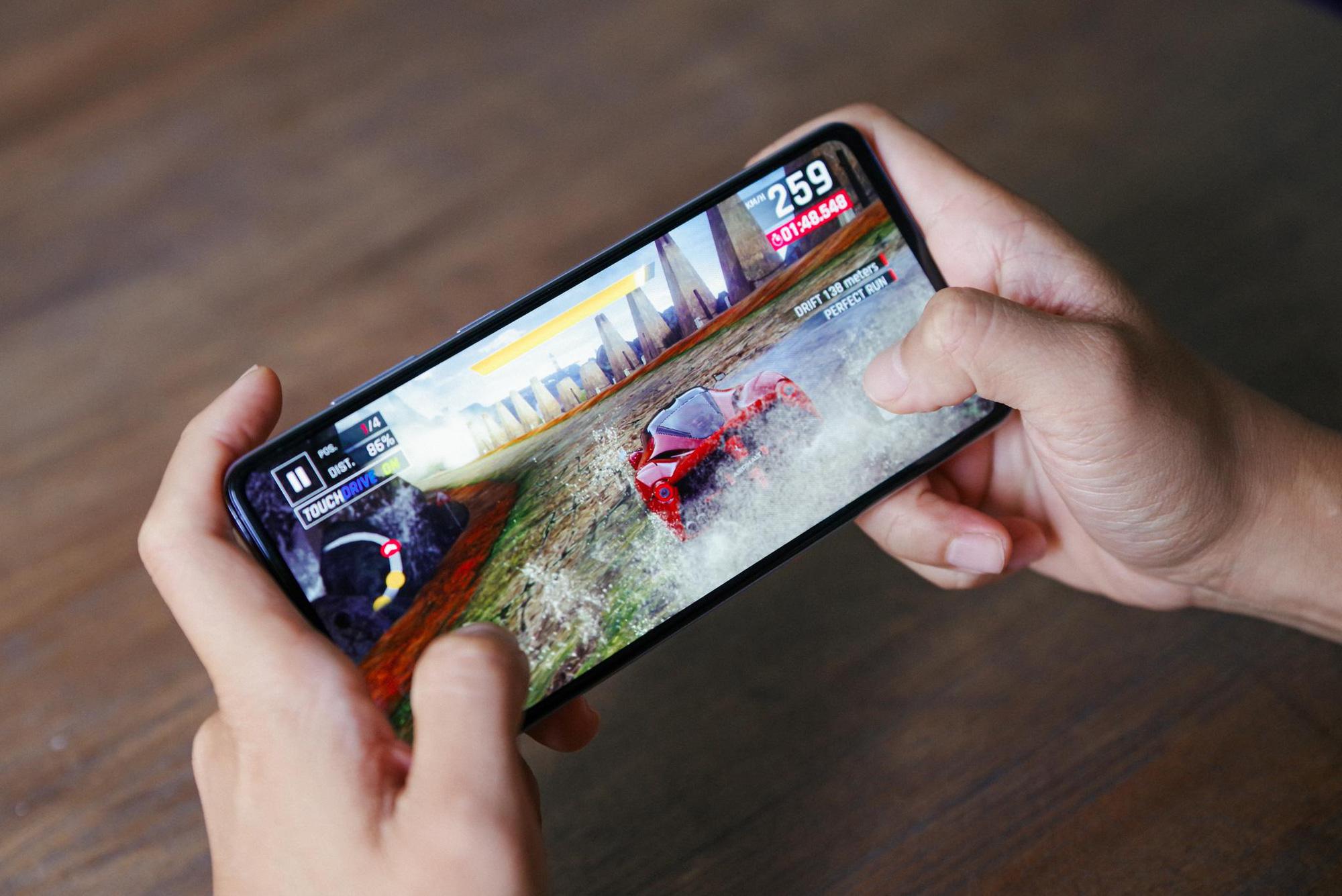 """Trên tay Samsung Galaxy A52 và A72, thiết bị giúp giới trẻ """"thăng hạng ngàn trải nghiệm"""" - Ảnh 7."""