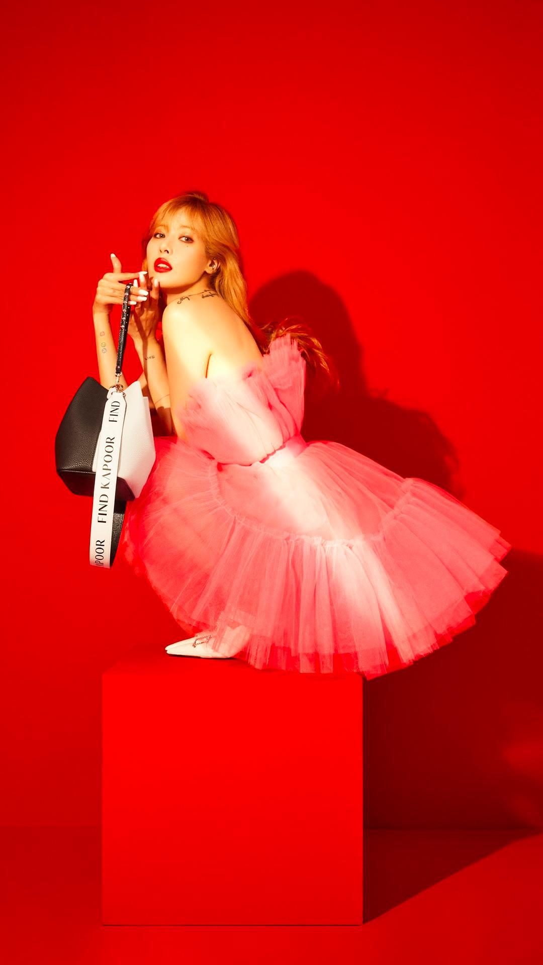 """Chiếc túi """"Bucket"""" thời trang được nhiều idol Hàn lăng xê nhiệt tình, nay đã chính thức ra mắt tại Tiki và Lazada - Ảnh 2."""