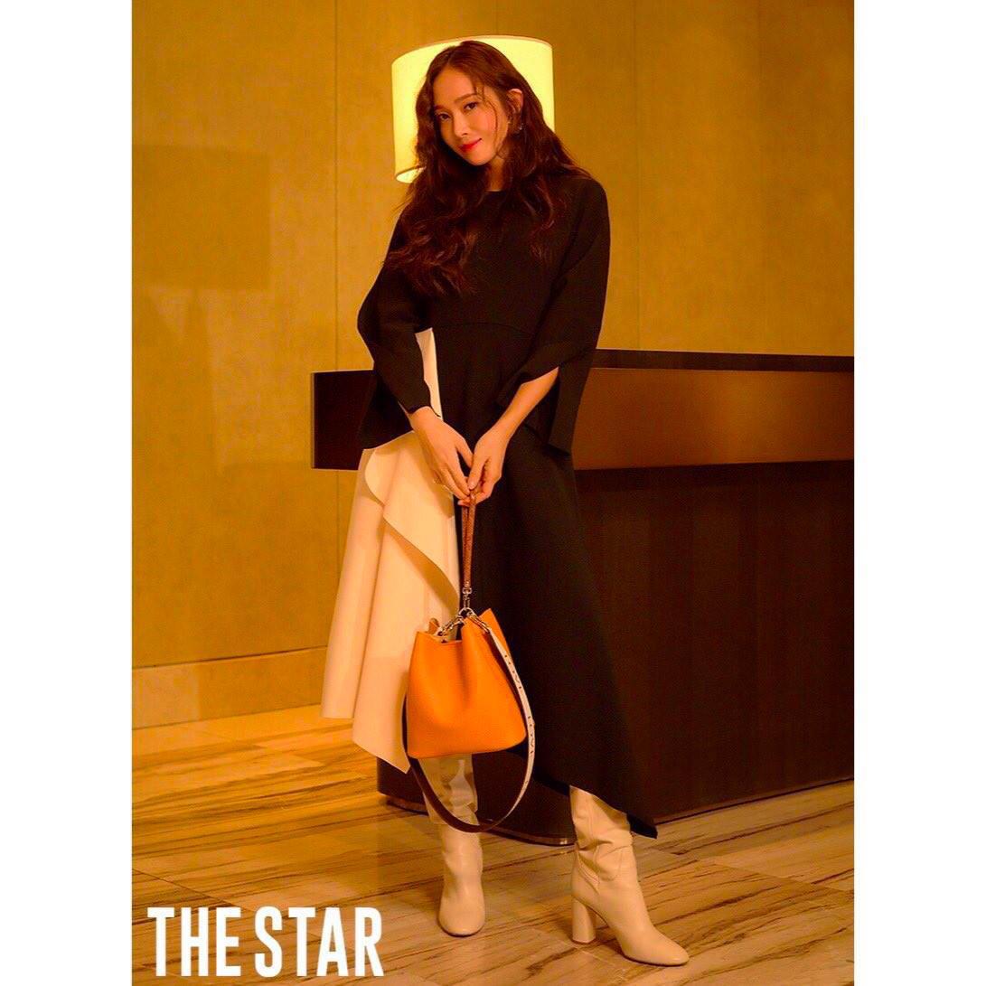 """Chiếc túi """"Bucket"""" thời trang được nhiều idol Hàn lăng xê nhiệt tình, nay đã chính thức ra mắt tại Tiki và Lazada - Ảnh 5."""
