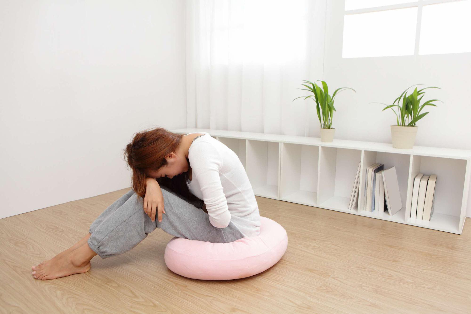 Nhiều hiểm họa sức khỏe tiềm tàng chỉ từ những cơn đau bụng! - Ảnh 1.