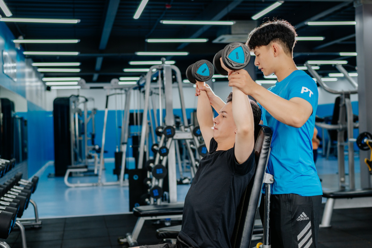 Gymer Binh Thanh sat fidgety waiting for the opening of The New Gym - Photo 4.