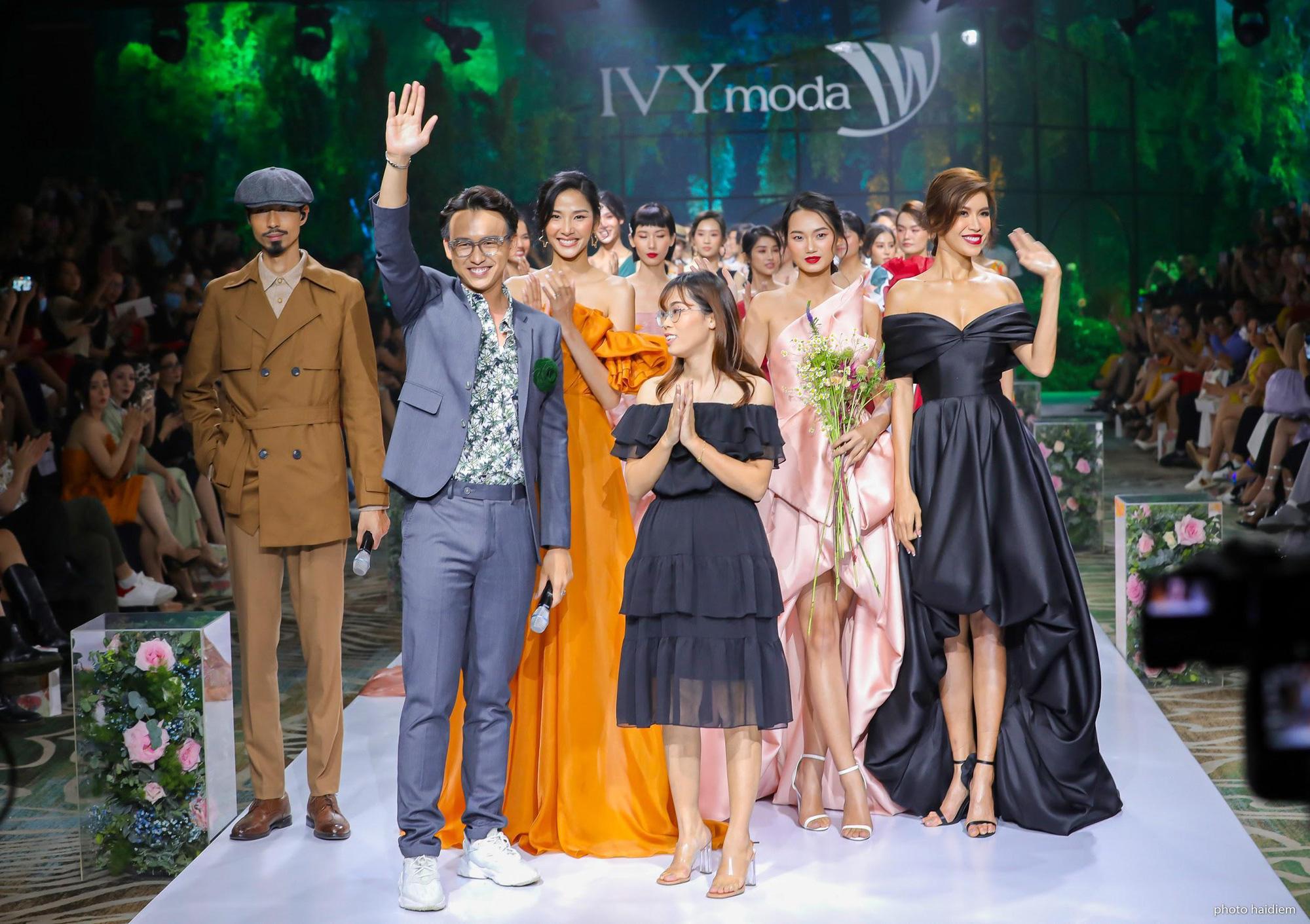 5 điểm nhấn đắt giá trong show diễn tràn đầy đam mê của IVY moda - Ảnh 5.