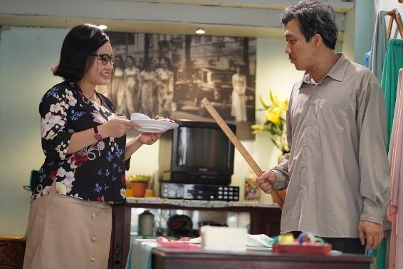 """""""Bố Già"""" của Trấn Thành - Phiên bản gà trống nuôi con tưởng chẳng có gì mới lạ nhưng lại đặc biệt nhất màn ảnh Việt - Ảnh 2."""