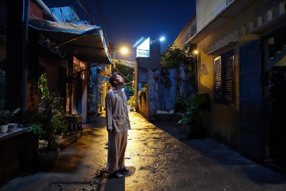 """""""Bố Già"""" của Trấn Thành - Phiên bản gà trống nuôi con tưởng chẳng có gì mới lạ nhưng lại đặc biệt nhất màn ảnh Việt - Ảnh 4."""