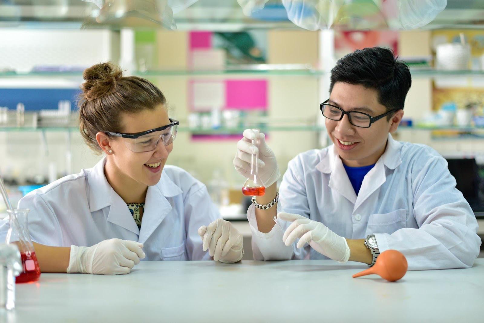 Giải mã lý do 2k3 đam mê khoa học đua nhau giành vé sớm làm tân sinh viên USTH mùa tuyển sinh 2021 - Ảnh 5.