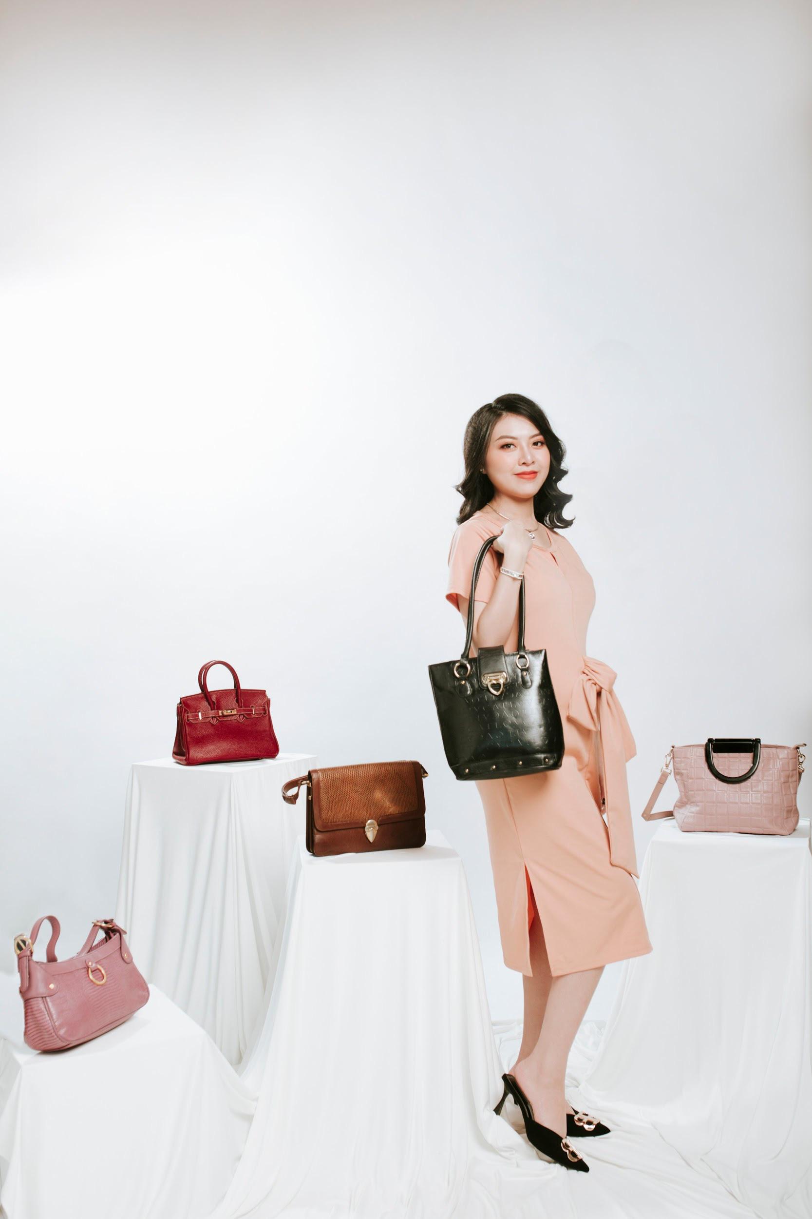 Kết hợp túi xách, diện đồ công sở sành điệu cùng Ngọc Quyên Shop - Ảnh 2.