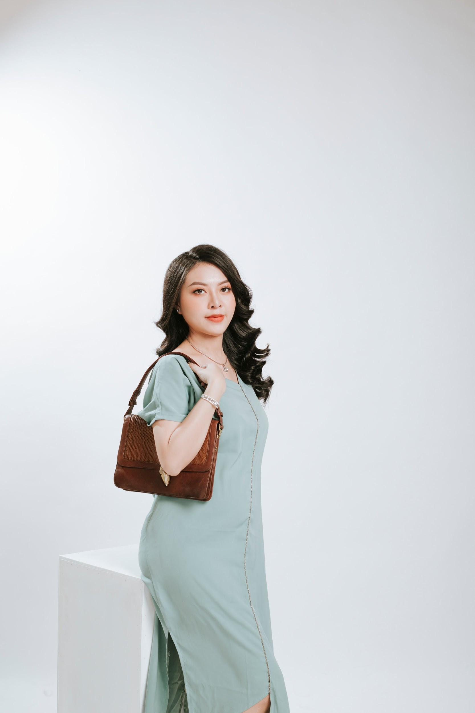 Kết hợp túi xách, diện đồ công sở sành điệu cùng Ngọc Quyên Shop - Ảnh 5.