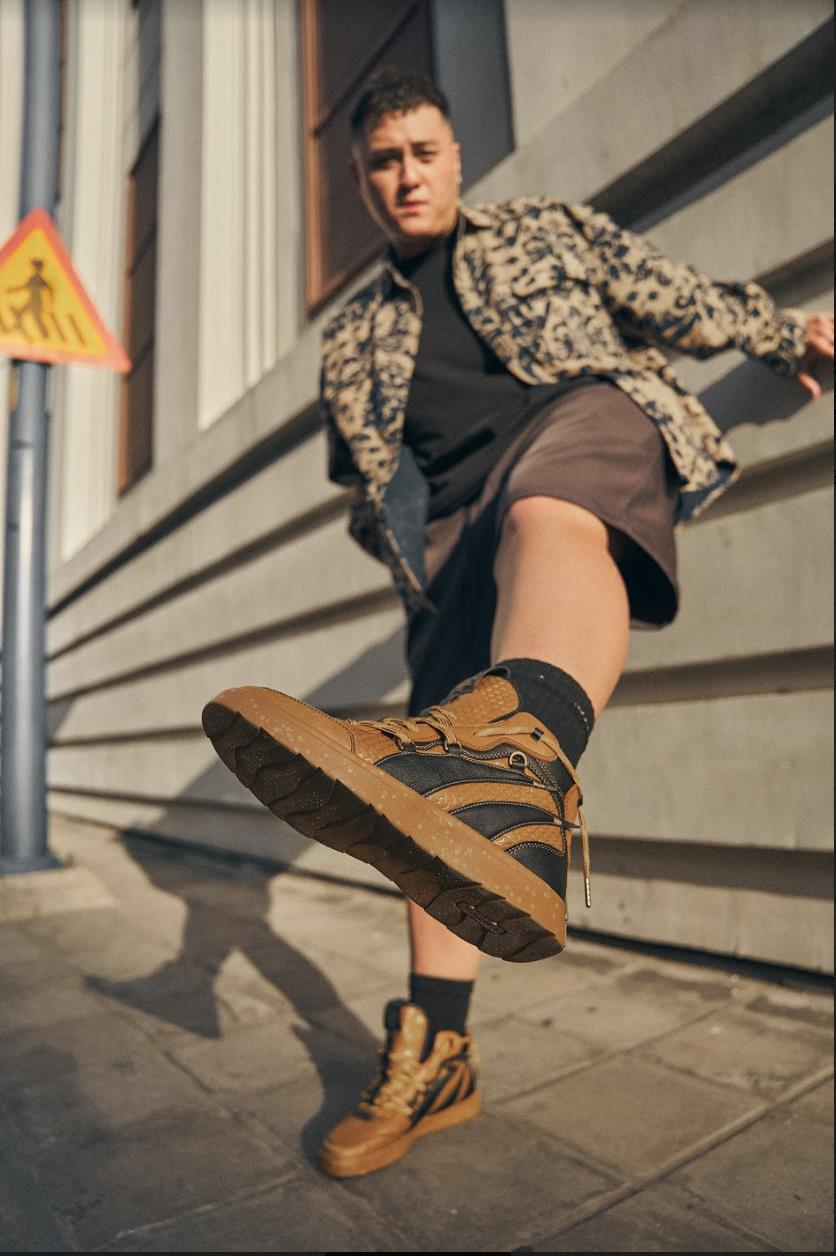 """Hội streetwear-holic rủ nhau """"lên đồ"""", mẫu sneakers nào khiến Á Âu rộn ràng đến vậy? - Ảnh 2."""