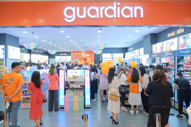 Hội chị em xôn xao trước cửa hàng làm đẹp mới của Guardian: Có gì đặc biệt mà gây sốt đến thế? - Ảnh 4.