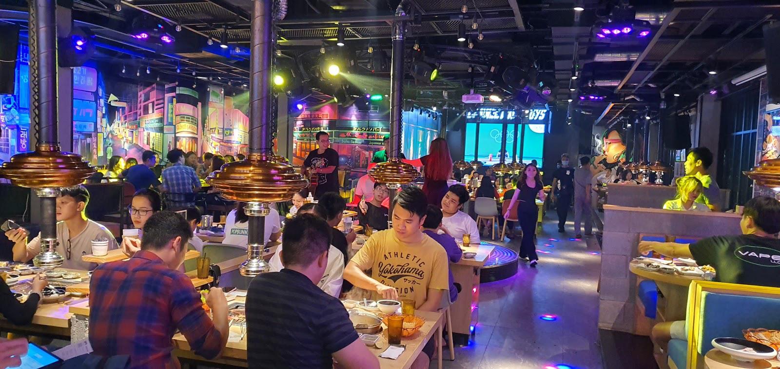 Giới trẻ phát sốt lùng sục check-in không gian Itaewon tại Urban BBQ Sài thành với phần thưởng lên tới 5 triệu đồng - Ảnh 1.
