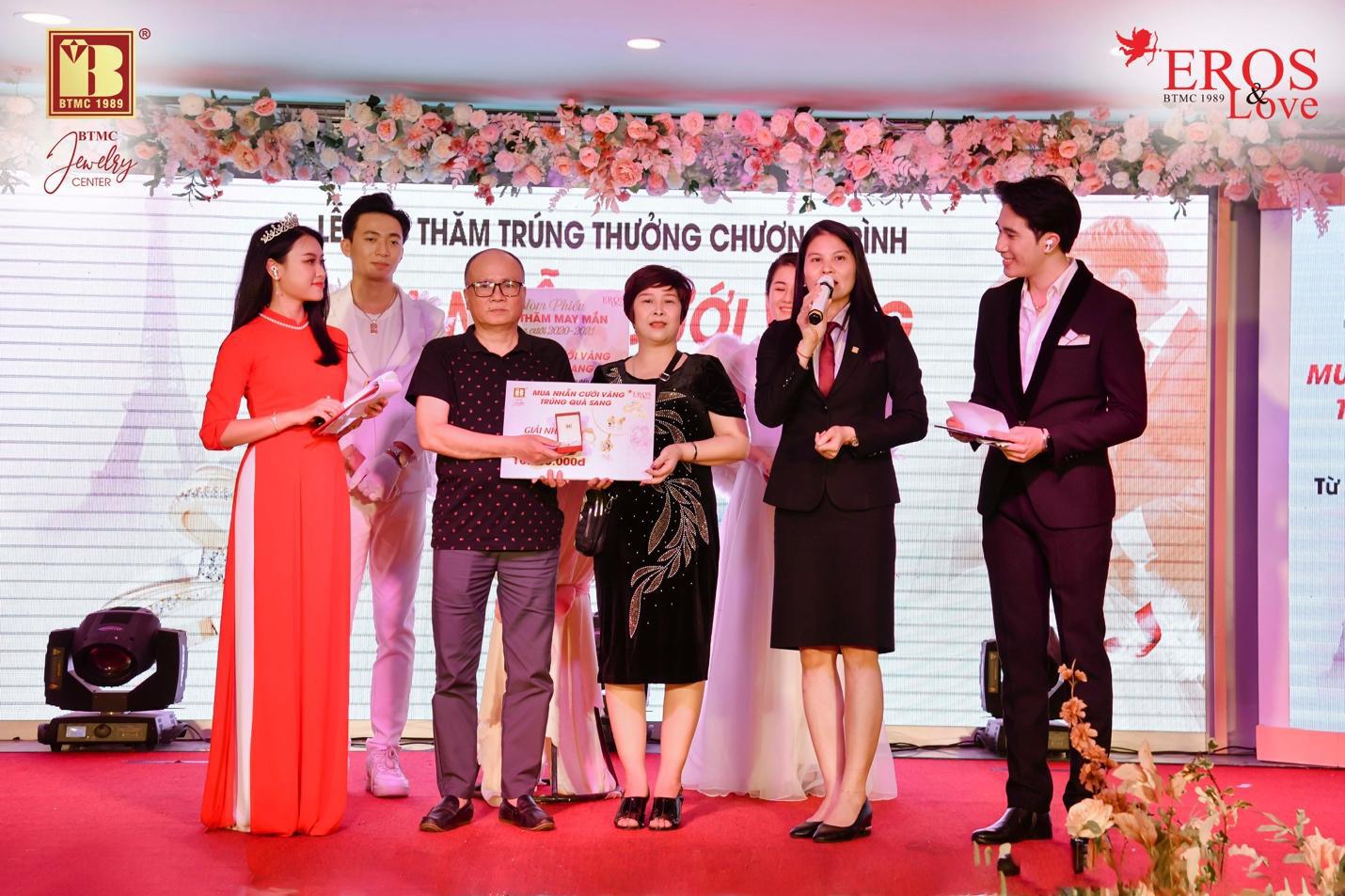 Bảo Tín Minh Châu bốc thăm và trao giải thưởng mùa cưới 2020 - 2021 đợt 2 - Ảnh 3.