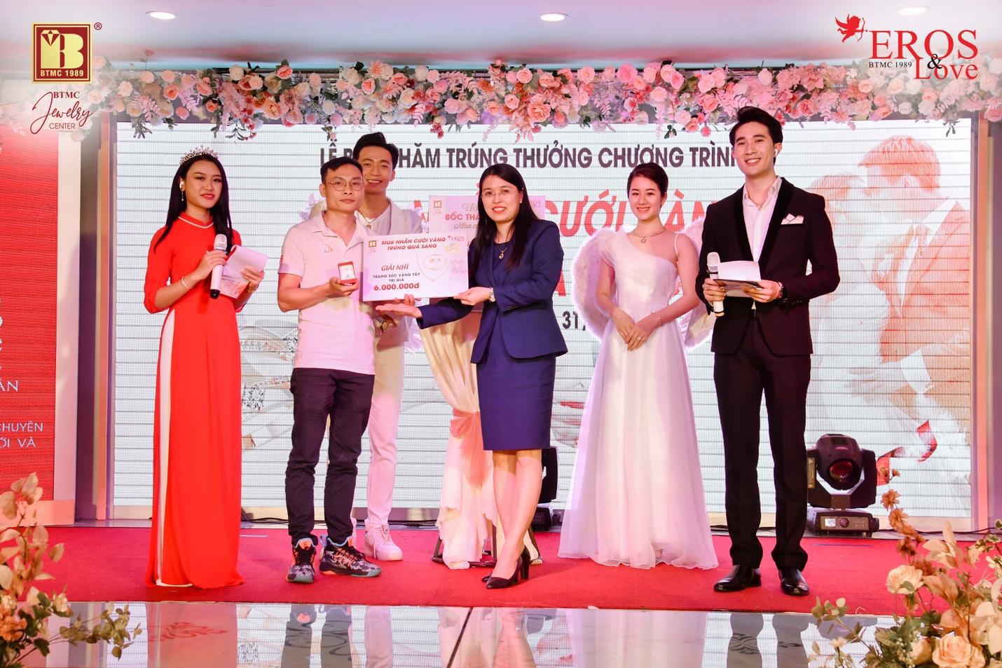 Bảo Tín Minh Châu bốc thăm và trao giải thưởng mùa cưới 2020 - 2021 đợt 2 - Ảnh 4.