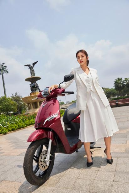 VinFast Feliz - Xe máy điện thời trang hiện đại thể hiện cá tính của giới trẻ - Ảnh 1.