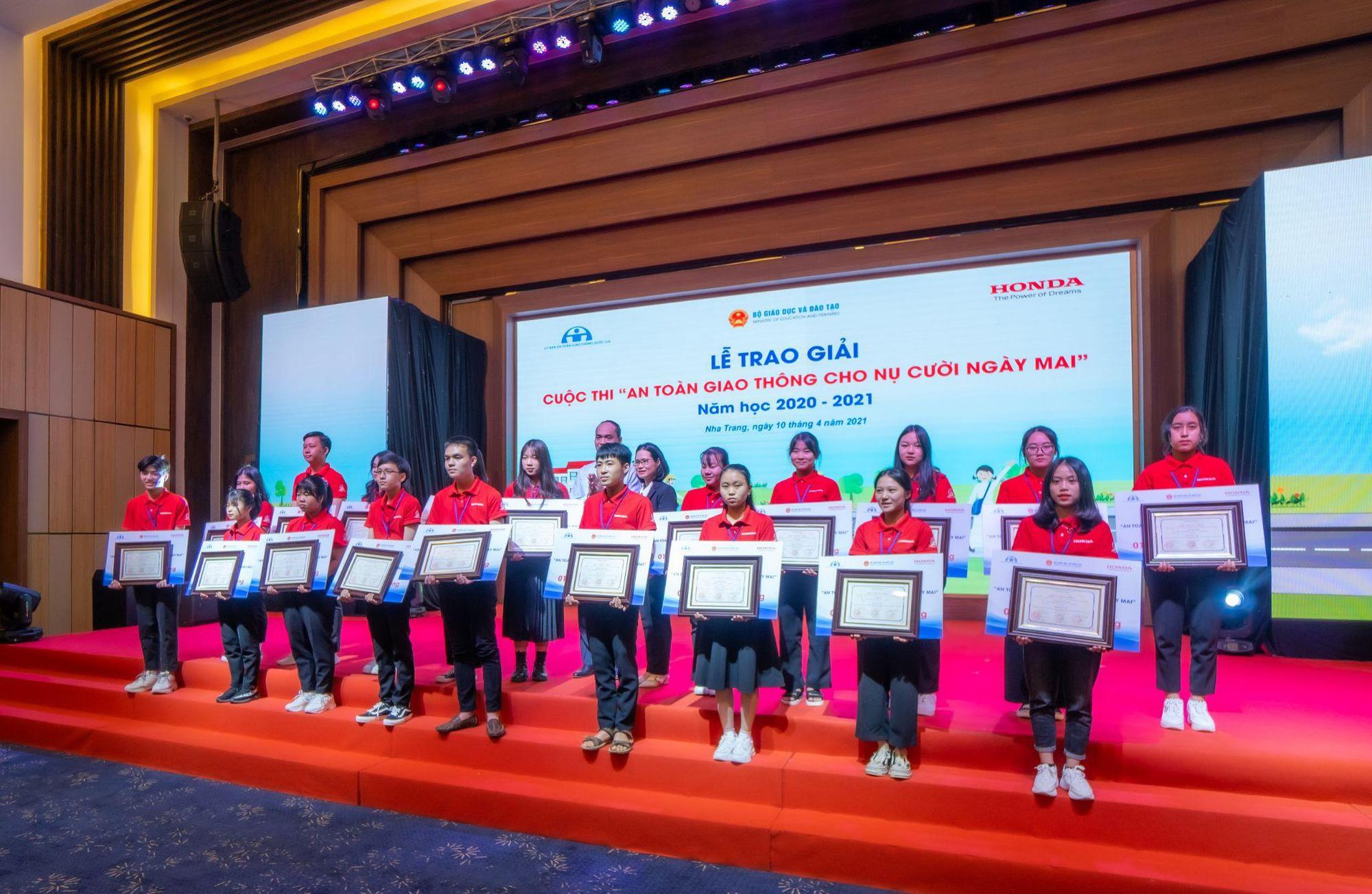 Honda Việt Nam nỗ lực giảm tai nạn giao thông ở lứa tuổi học sinh - Ảnh 2.
