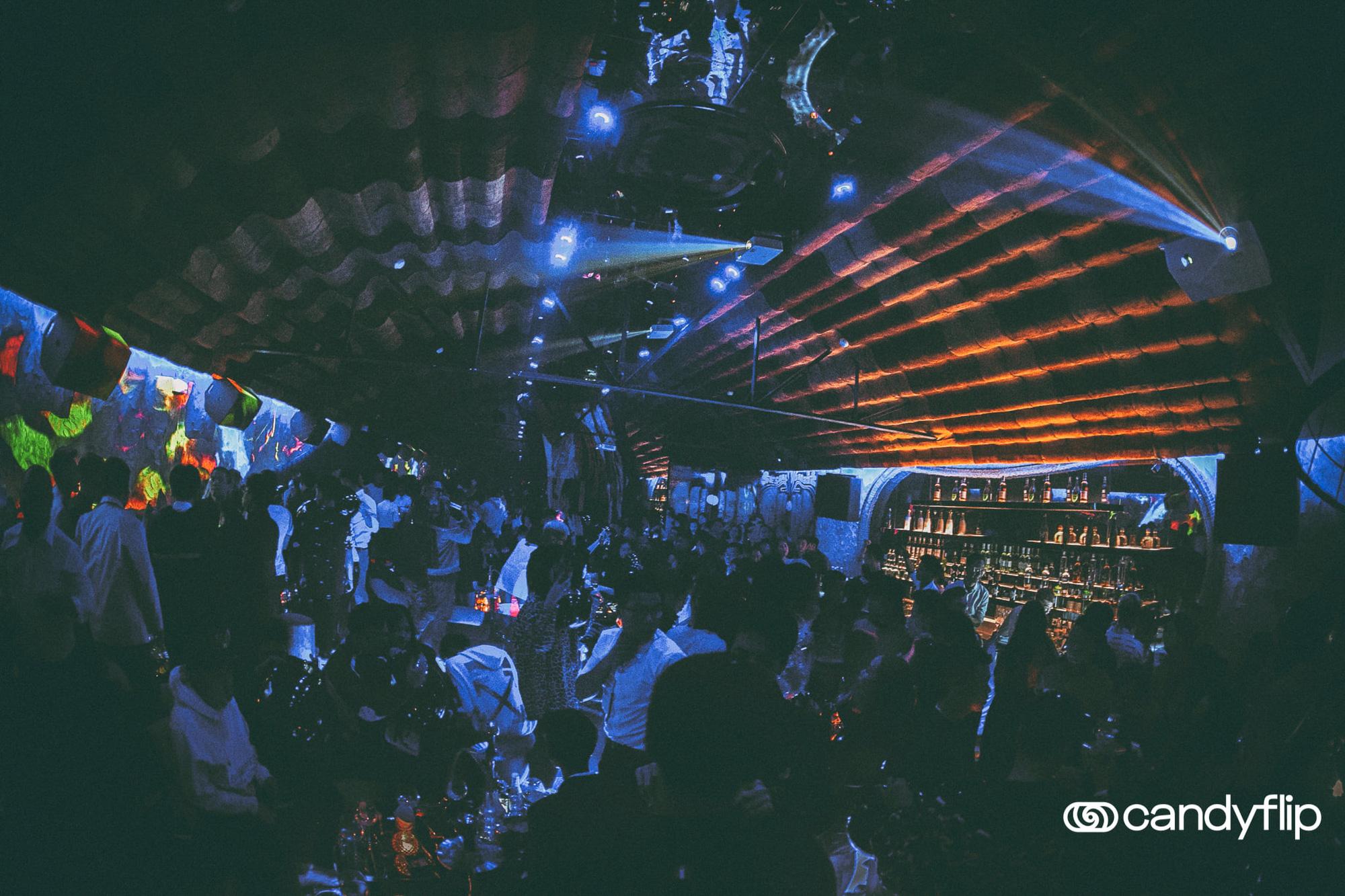 Tâm điểm sự kiện cuối tuần: Xôn xao chàng DJ bí ẩn xuất hiện giữa tiệc sinh nhật đình đám của nàng hot TikToker Lê Bống - Ảnh 6.