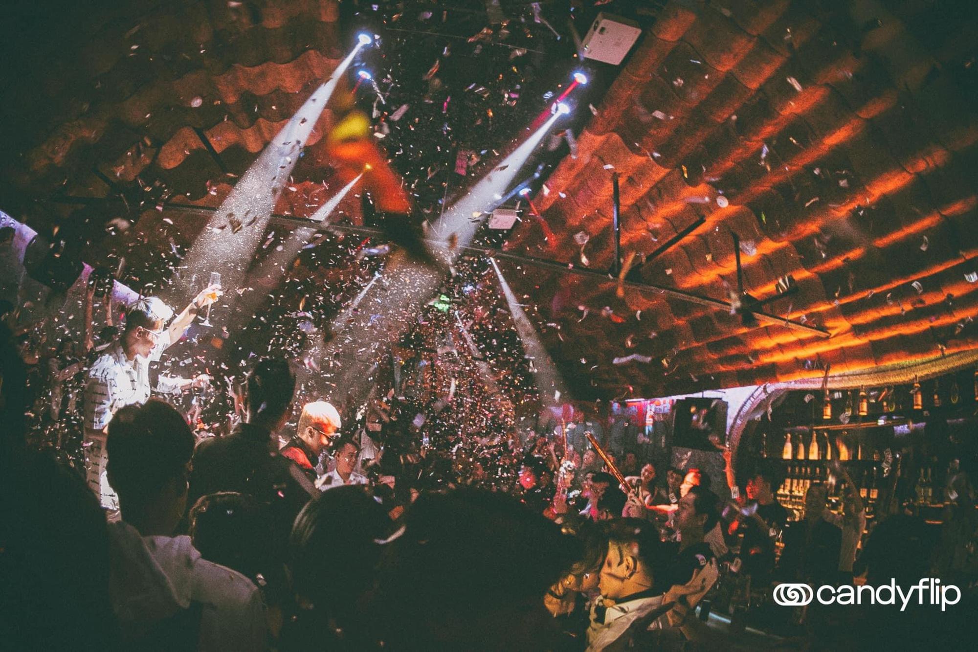 Tâm điểm sự kiện cuối tuần: Xôn xao chàng DJ bí ẩn xuất hiện giữa tiệc sinh nhật đình đám của nàng hot TikToker Lê Bống - Ảnh 7.