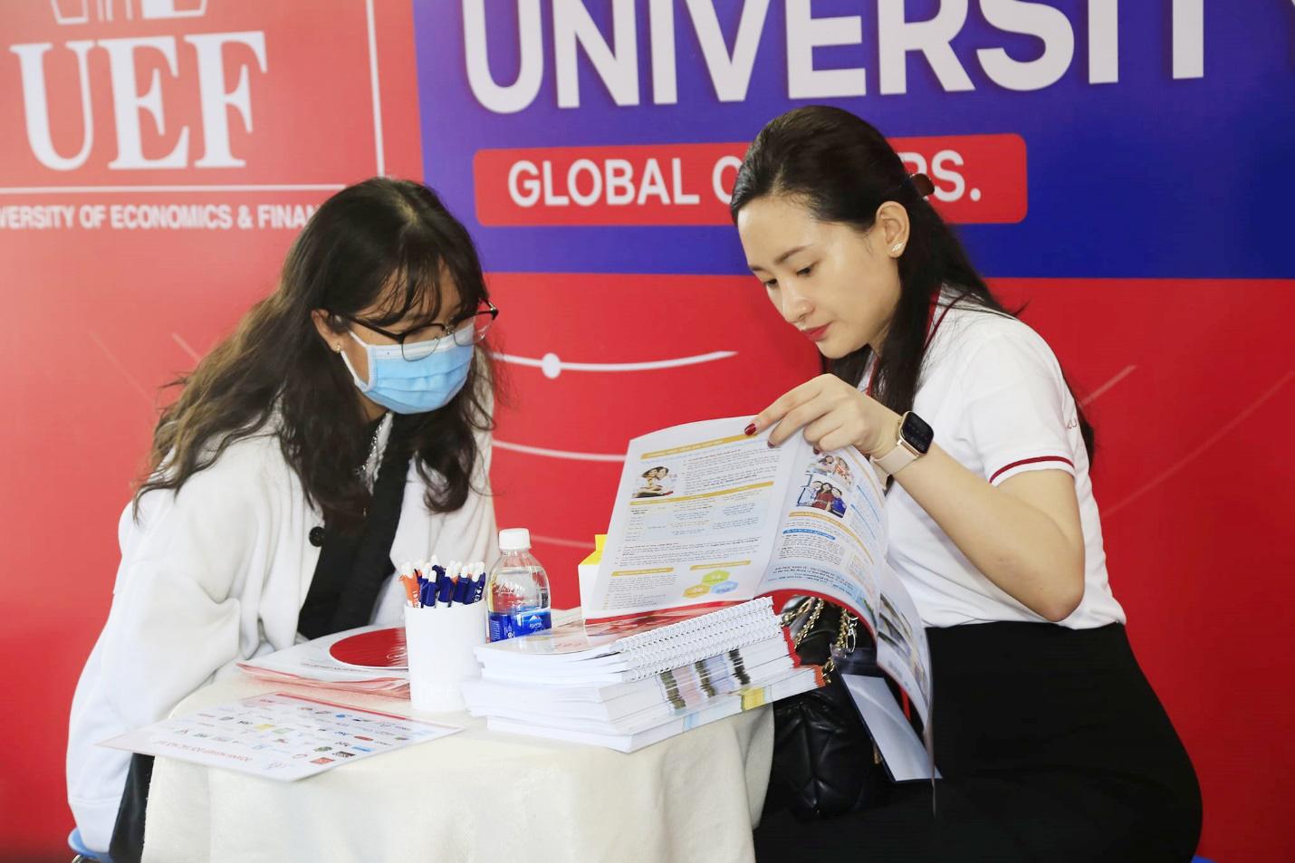 Bí quyết đăng ký nguyện vọng xét tuyển đại học 2k3 không nên bỏ qua - Ảnh 2.