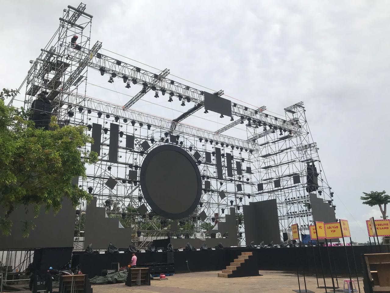 Sơn Tùng M-TP cùng dàn line-up cực phẩm sẽ comeback tại sân khấu phủ hồng siêu hoành tráng Diana Pink Fest! - Ảnh 3.