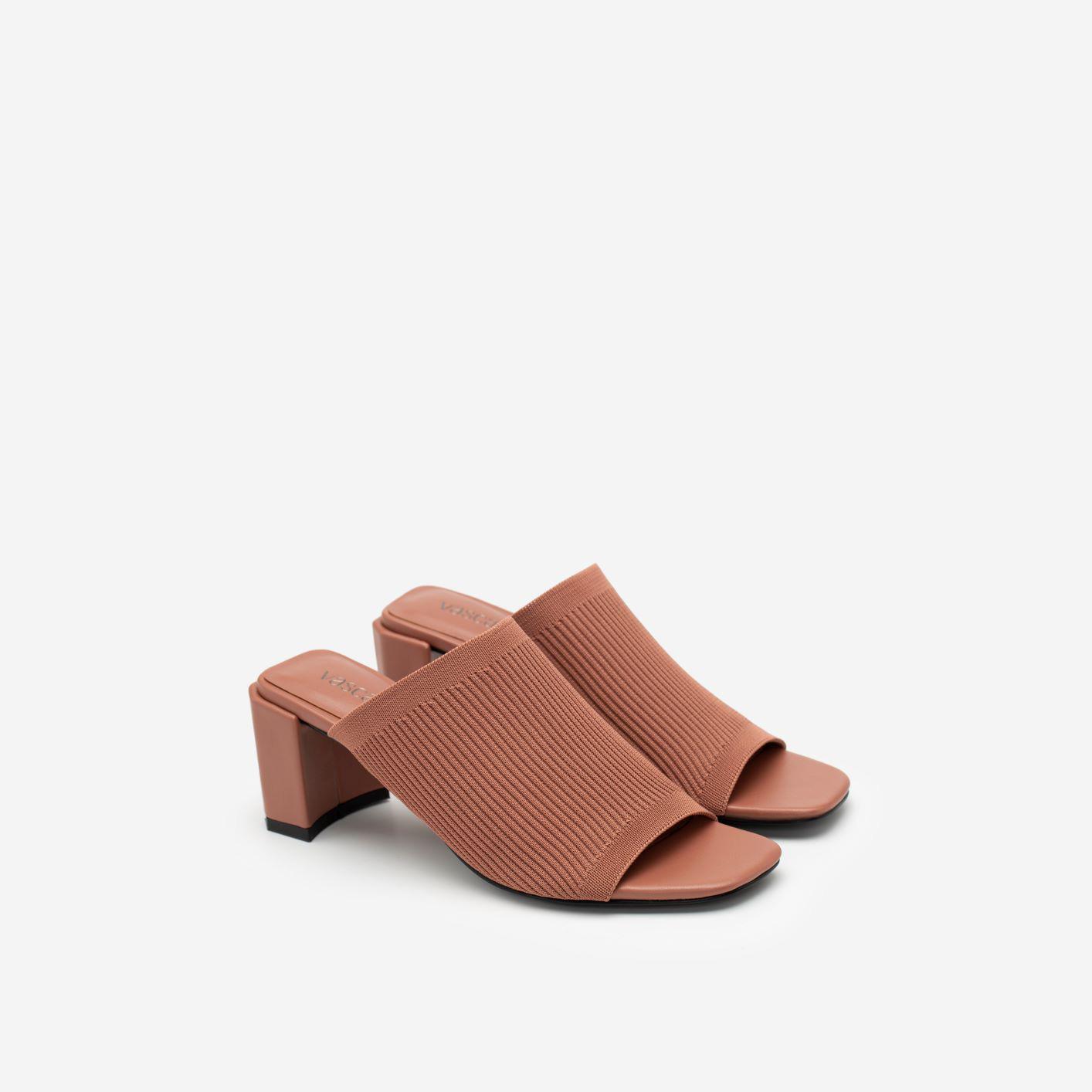 """3 kiểu giày đi muôn nơi, lại còn giúp """"ăn gian"""" chiều cao mà nàng không nên bỏ qua trong mùa hè này - Ảnh 4."""