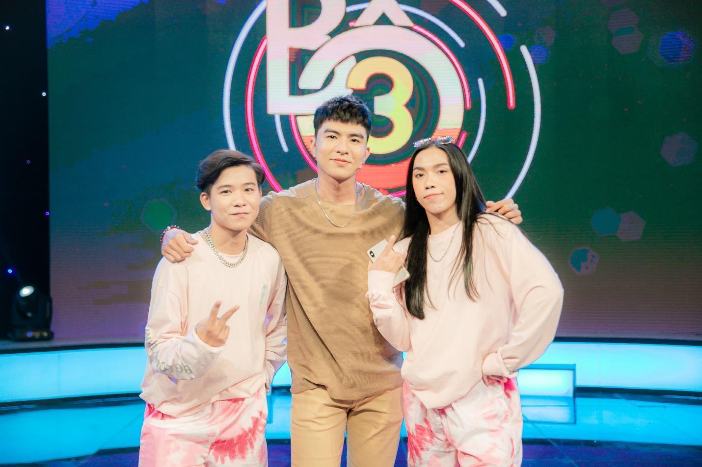 """Chơi ăn gian, Hải Triều bị Trịnh Thăng Bình """"dạy dỗ"""" ngay trên sóng truyền hình - Ảnh 3."""