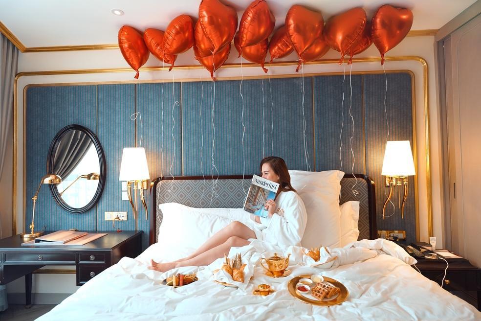 Đại tiệc hồ bơi đẳng cấp khuấy động dịp lễ 30/04 và 01/05 tại khách sạn dát vàng độc đáo ở Hà Nội - Ảnh 5.