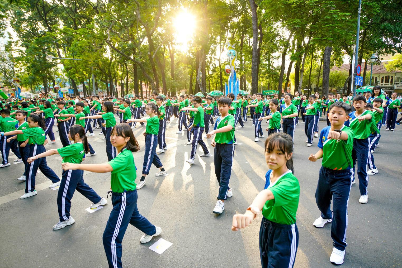 Mang Vovinam đến gần hơn với các em học sinh và cộng đồng - Ảnh 2.
