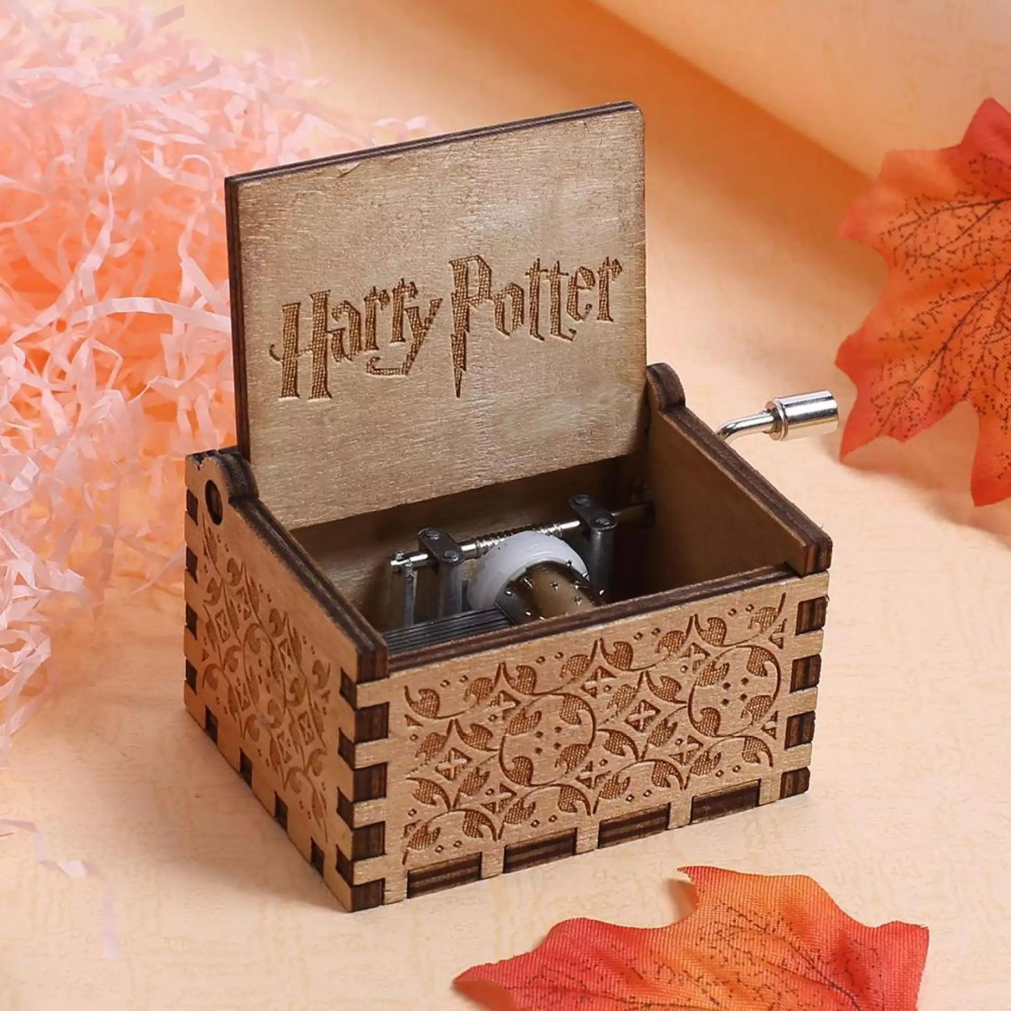Top 7 item bán chạy nhất trên Lazada trong làn sóng kỉ niệm 10 năm công chiếu tập cuối của Harry Potter - Ảnh 2.
