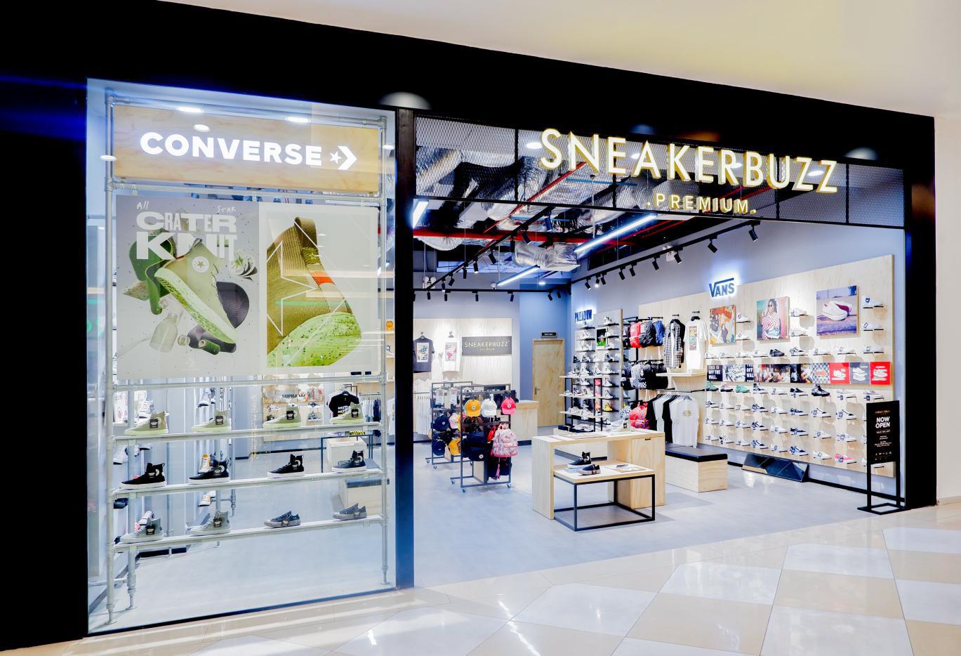 """Khám phá ngay không gian mua sắm """"sang xịn mịn"""" Premium Store của Sneaker Buzz vừa chính thức có mặt tại Hà Nội - Ảnh 1."""
